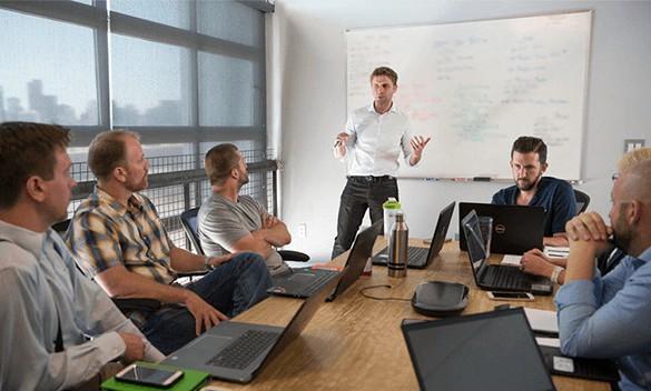 Mjardin team meeting